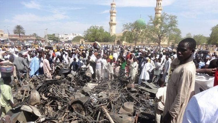 nigeria suicide attack mosque 14 killed gamboru
