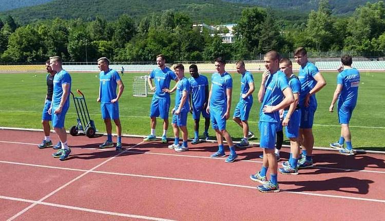 Петима нови тренират с Левски