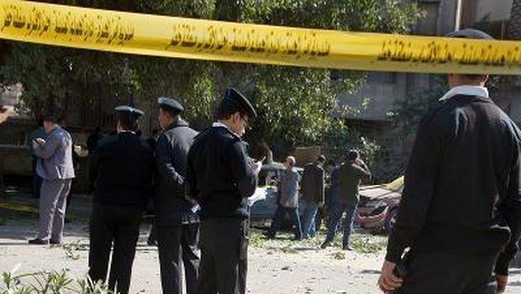 egypt sinai peninsula terror attack 8 dead truck bomb