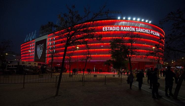 Севиля поиска финала на Лига Европа в памет на Рейес