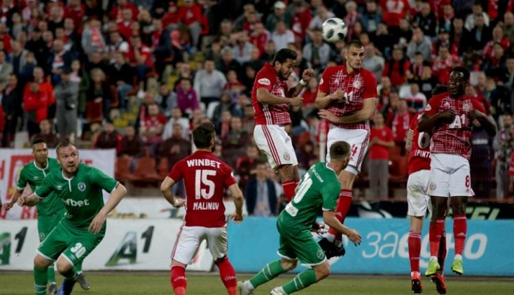 ЦСКА остана на три точки зад Лудогорец след нервно дерби