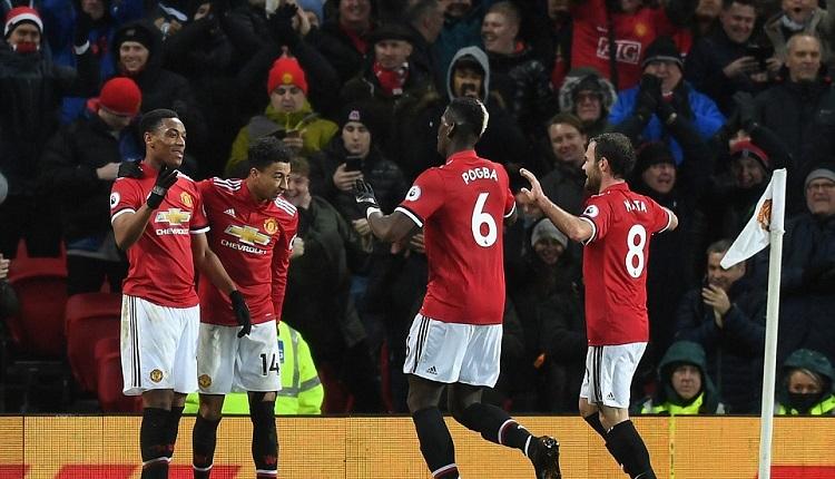 Манчестър Юнайтед победи Стоук Сити с 3:0