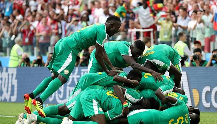 Сенегал пречупи Полша