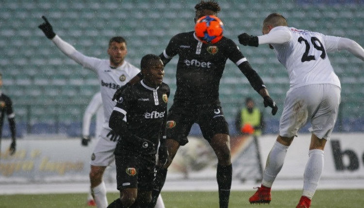 Славия оцеля срещу Локо (Пловдив) след гол в 95-ата минута