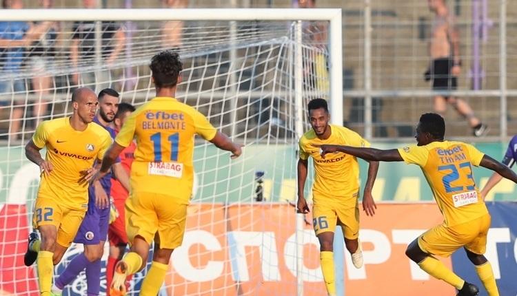 Левски победи Етър с 2:1